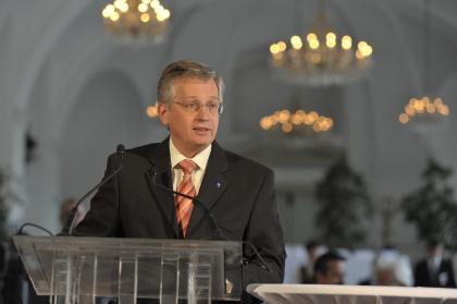 Die Laudatio für Herrn Gutmayer hält, in Vertretung von Landeshauptmann Dr.Erwin Pröll, der Landtagsabgeordnete Dipl:Ing.Willibald Eigner.