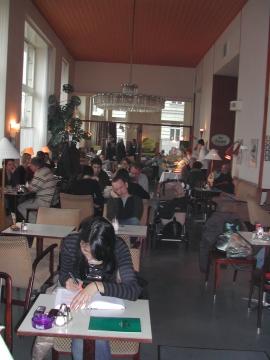 Vormittag im Kaffeehaus