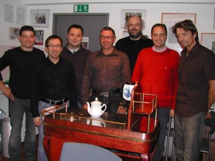 Die Teilnehmer wurden geprüft und wegen des großen Lernerfolgs mit Diplom verabschiedet:   von links nach rechts:  V.Hofer, N.Goldberger, R.Gießelmann, Th.Dinzendorfer, H.Nimmervoll, Th.Eckel, M.Schnibbe