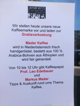 Für alle Kunden gibt es gratis Kaffee