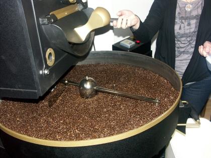 Die ideale Röstfarbe ist erreicht. Der Kaffee ist fertig.