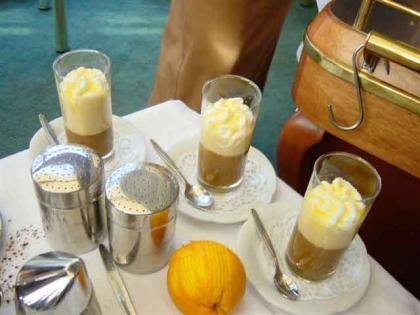 Kaffee-Spezialitäten werden serviert