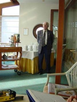 Prof. L. J. Edelbauer spricht über Kaffee