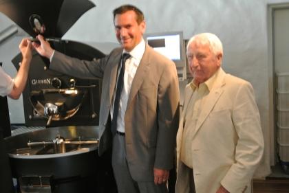Wirtschaftsminister Dr.Martin Meyer und Prof.Edelbauer starten den neuen Röster