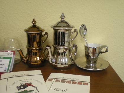 Karlsbader Kaffeekannen in Gold und Silber, schöne Preise für den besten Röstmeister