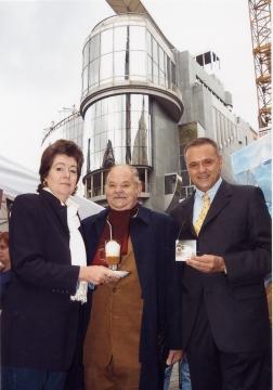 von links nach rechts  Marie-Louise Heindel, HR Prof. Franz Zodl, KommRat Maximilian Platzer