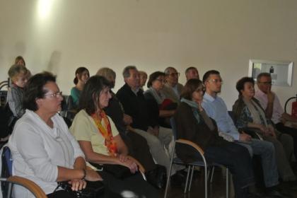 Interessiertes Publikum bei der Filmvorführung