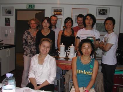 Die Studenten aus fernen Ländern reisten an um hier die weltberühmte Wiener Kaffeekultur zu erlernen.