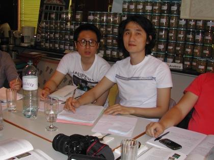 Taekyung Gong aus Korea hat sich einen Dolmetscher mitgebracht.