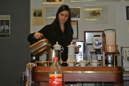 Jüngste Dipl.-Kaffee-Sommeliere Fr. I.Siegle  WIR GRATULIEREN!