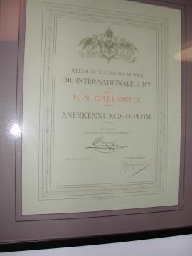 Eine Verbindung zu Wien: Tom Greenwells Urgroßvater erhielt bei der Weltaustellung in Wien 1873 ein kaiserliches Anerkennungsdiplom.