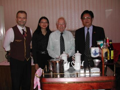 Chef-Dipl.Kaffeesomm.Hans Martin Simon, Frau Xiaojie Bichler Zhou, Prof.L.J.Edelbauer, Botschaftsrat Li Yijian