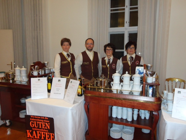 Chef-Diplom-Kaffee-Sommeliér/e am Ball-Abend  Fr.Dr.Suchomel; Hr. Heschl BEd; Fr. FSOL Ing.Detschmann; Fr. Frey (v.l.n.r.)