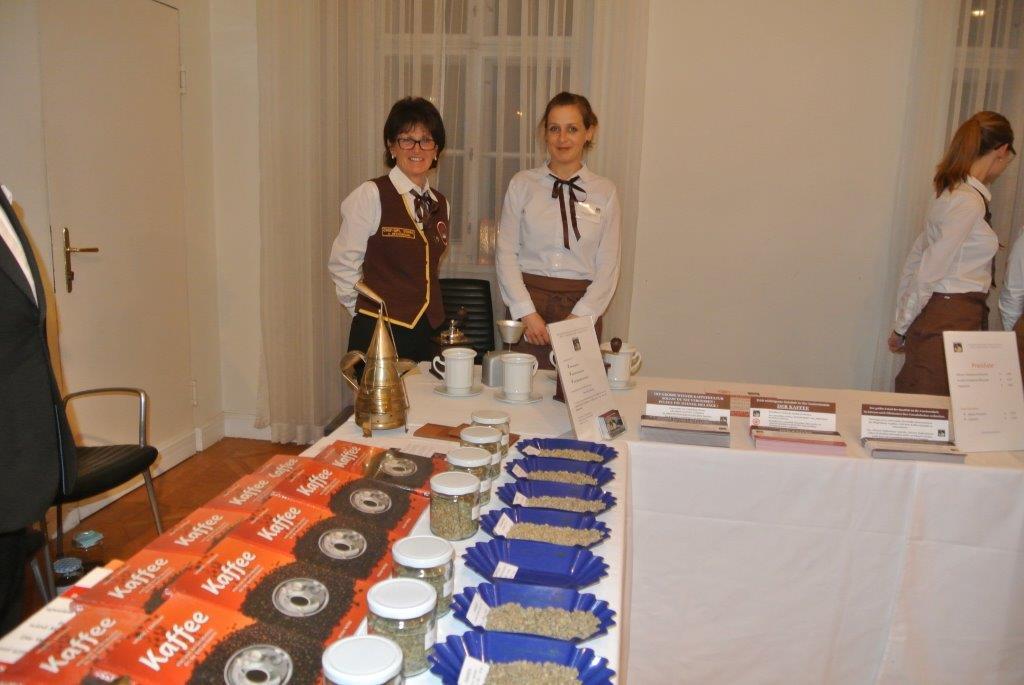Frau Ing. Anna Detschmann von der LWBFS Andorf hat mit Ihrem Mädels alles Musterhaft vorbereitet.